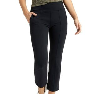 Athleta metro crop